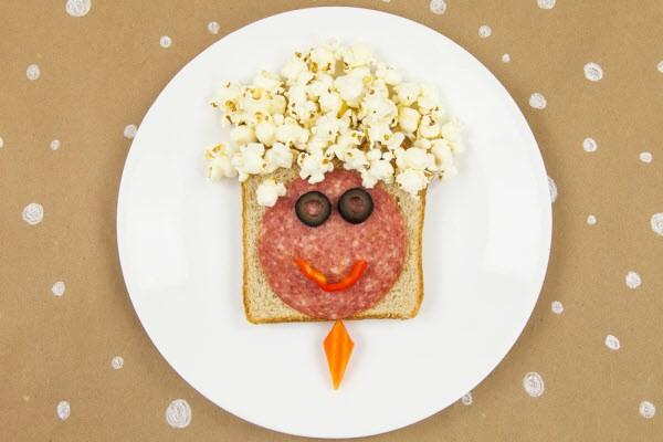 Sandwich with face shape