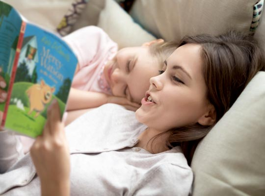 6 reasons to read aloud featured graphic