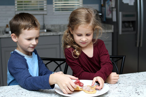 children eating french toast